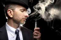 Man with hat vaping THC e liquid Europe market product